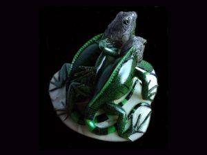 realistic double iguanas tagua nut carving indigenous art Darien Panama