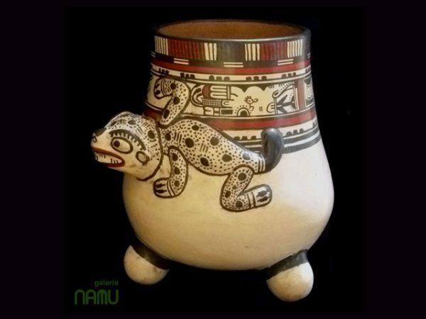 Handmade Pottery CH05