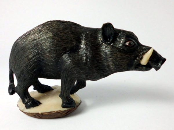 Carved Tagua Mammal 0002